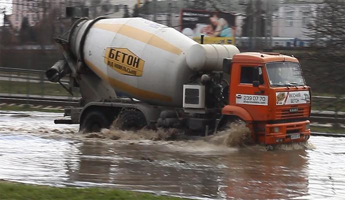 На ул. Борщаговской в Киеве случилось очередное наводнение