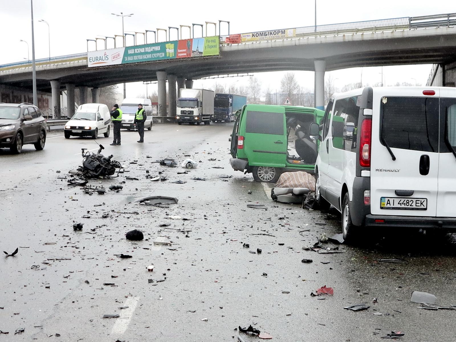 Трагическое ДТП под Киевом: два человека погибли, один - в больнице