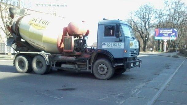 На ул. Кирилловской в Киеве в ДТП попала коляска с маленьким ребенком