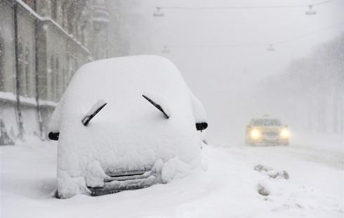 На Киев обрушился сильнейший снегопад. 4 года назад
