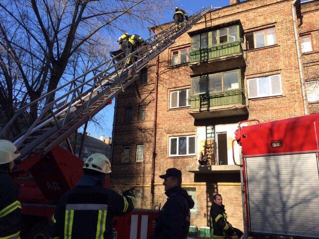В Киеве горела жилая четырехэтажка. Подробности
