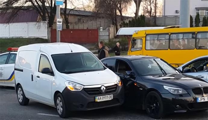 В ДТП на проспекте Лобановского пострадала беременная женщина