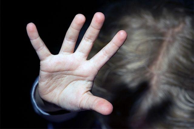 В Киеве пьяный мужчина изнасиловал свою 9-летнюю дочку