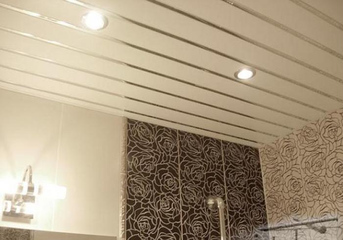 Алюминиевый реечный потолок: особенности и недостатки