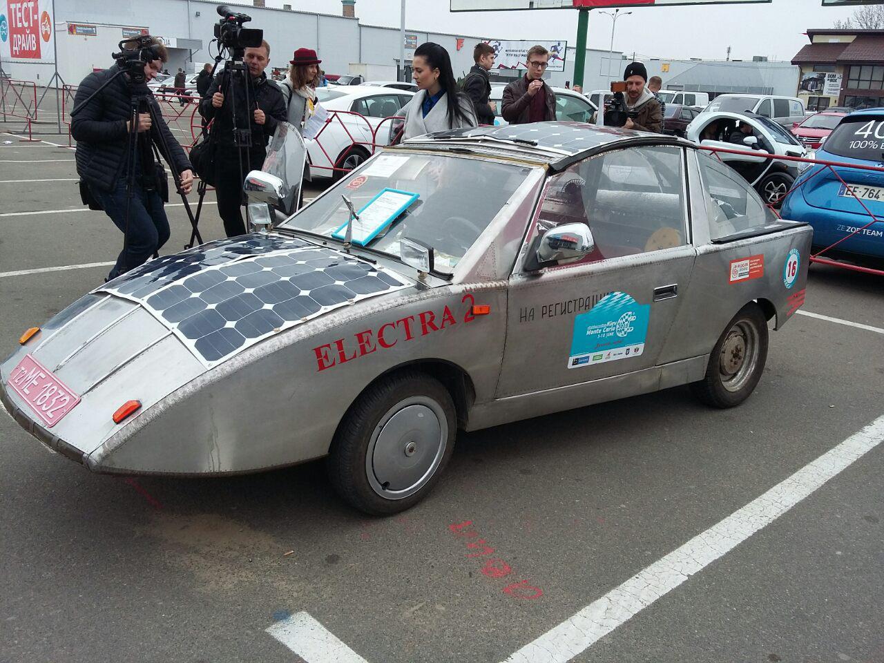В Киеве появился транспорт - электрозапорожец