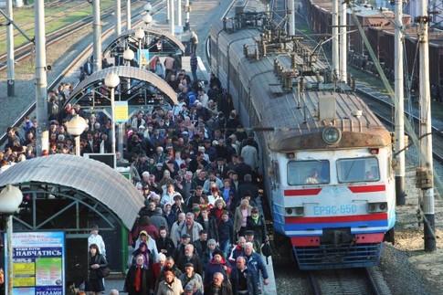За Киевом недовольные пассажиры на три часа задержали поезда