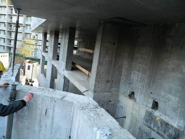 После инструктажа по технике безопасности, на стройке в Киеве погиб рабочий