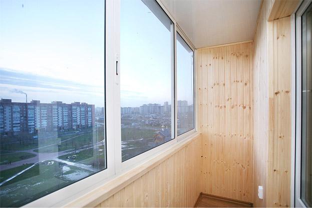 Теплое остекление от WinOK: недорогое благоустройство балкона или лоджии под ключ