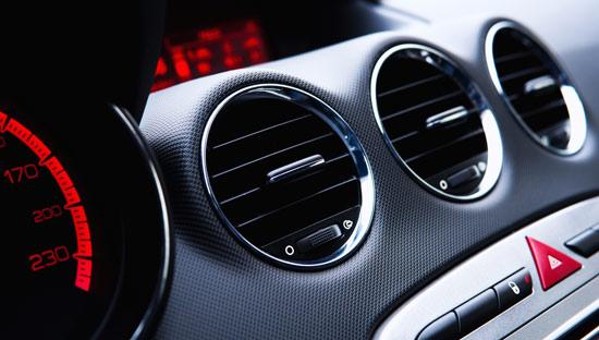 Как часто проводится заправка кондиционера авто?