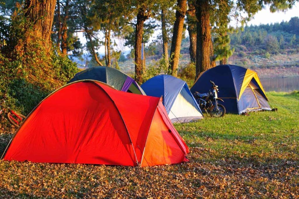 Кто может помочь собраться на отдых с палатками?