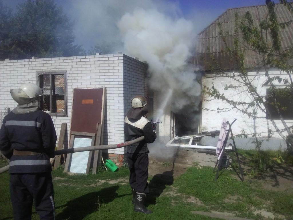 На Киевщине дети, заигравшись, подожгли частный дом