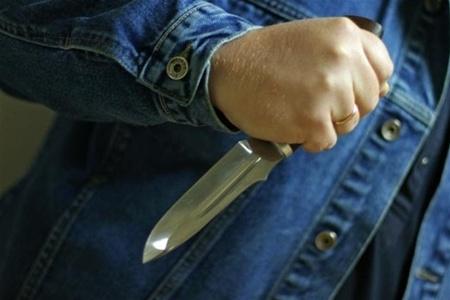 На Оболони крестный отец задержал психопата с ножом