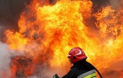 В Киеве на проспекте Победы случился сильный пожар
