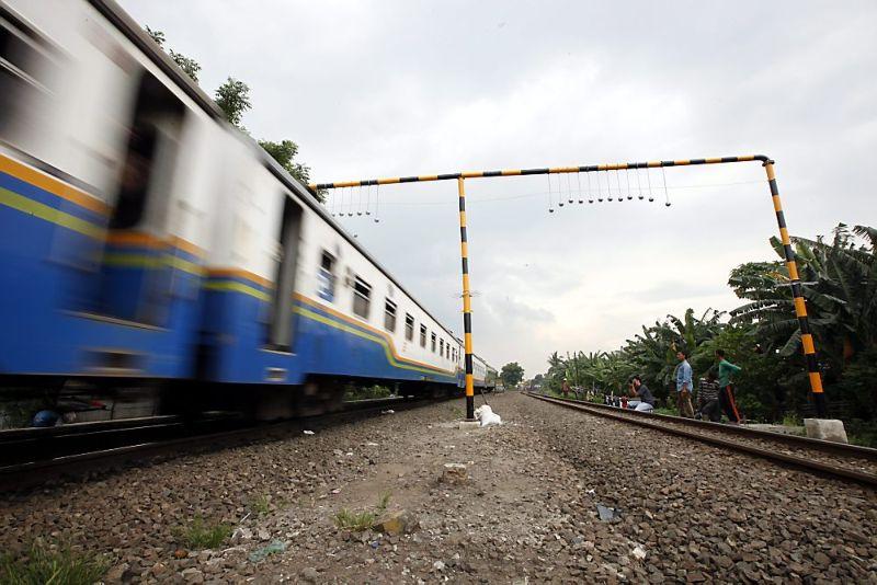 В Киеве подросток получил тяжелые травмы, катаясь на крыше поезда