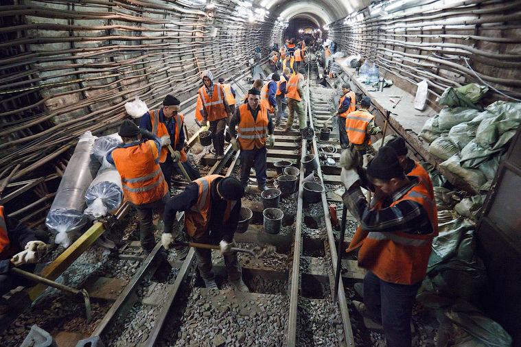Мимо Троещины: в Киеве надумали строить еще одну ветку метро