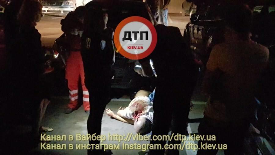 В Киеве на автостоянке убили россиянина
