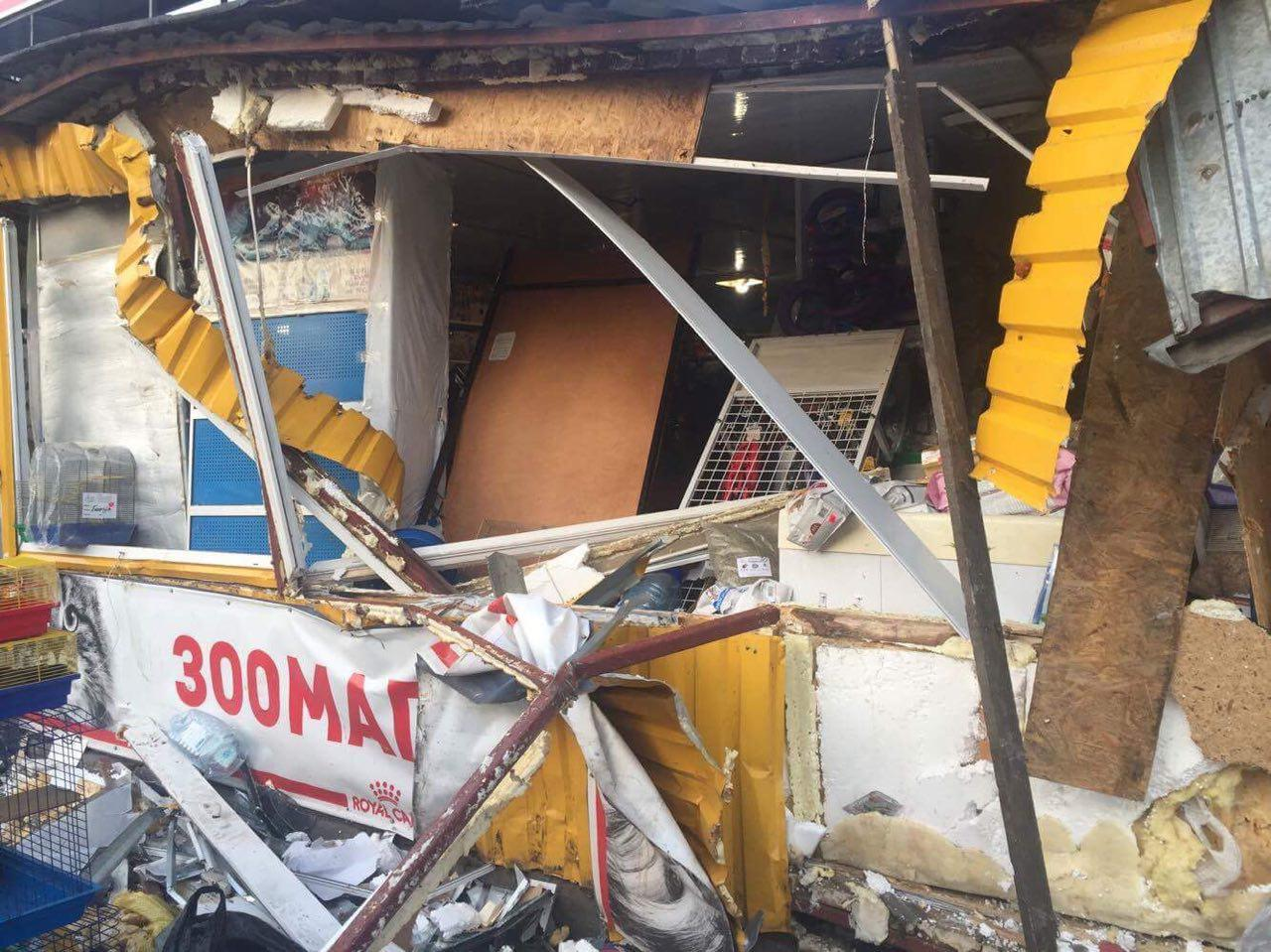 Кто снес рынок на Лесном массиве в Киеве