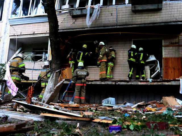 Взрыв в киевском доме: пенсионерка могла совершить суицид