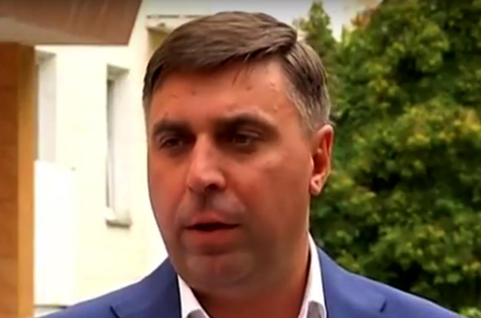 В КГГА обещают помочь деньгами жильцам дома на ул. Бурмистенко