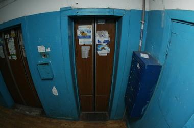 Киевлянам придется оплачивать охрану лифтов