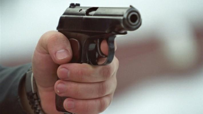 На Петровке в автобусе между пассажирами случился конфликт со стрельбой