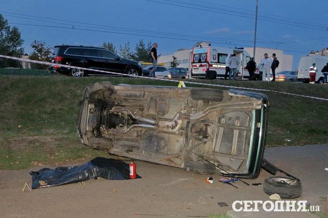 Страшное ДТП на Оболони: водителя раздавил собственный автомобиль