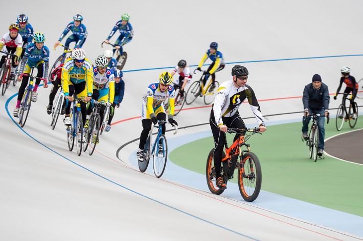 Мэр Киева открыл бесплатную велошколу для детей