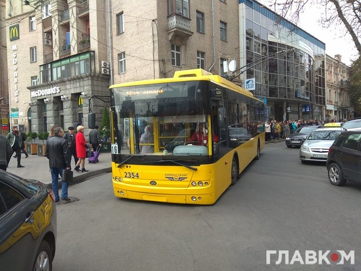 В Киеве появились троллейбусы, которые не ездят переполненными