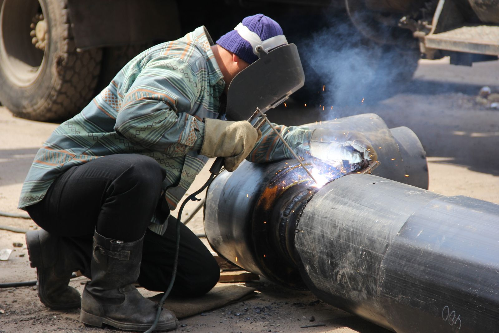 В Киеве необходимо провести комплексную замену теплосетей - В.Кличко
