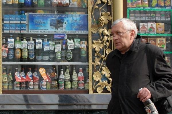 Запрет алкоголя в МАФах: вступило в действие решение Киевсовета