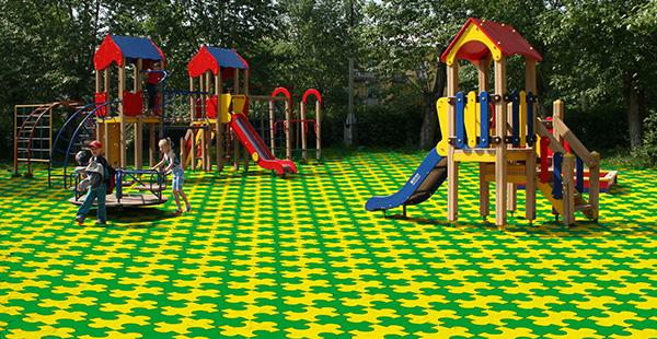 Где купить качественные материалы для покрытия детских площадок?
