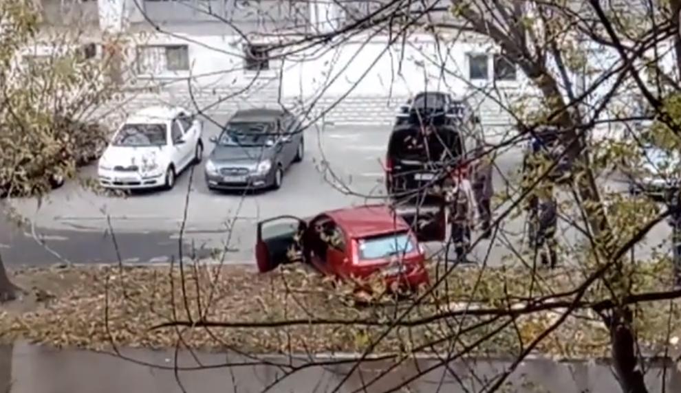 """Отопительный сезон в Киеве """"вырвало"""" на поверхность дороги"""
