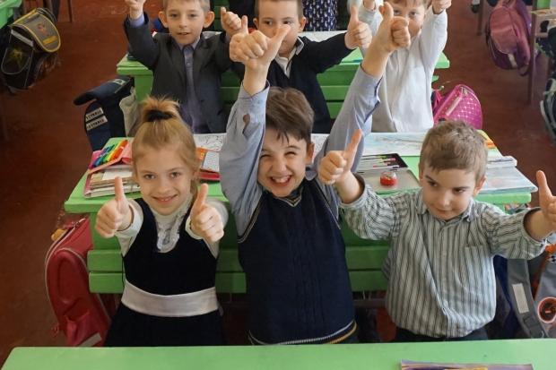 Перед каникулами в школах Киева включили отопление