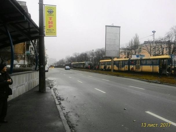 На Борщаговской линии загорелся трамвай с пассажирами