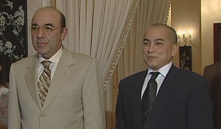 Камбоджийский паспорт нужен Рабиновичу, чтобы стать премьером этой страны, – эксперт