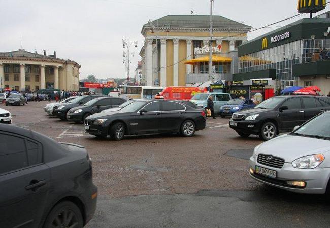 В Киеве увеличат количество паркомест для дневных и ночных стоянок