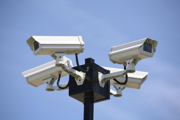 В КГГА решили снимать вандалов на видеокамеры