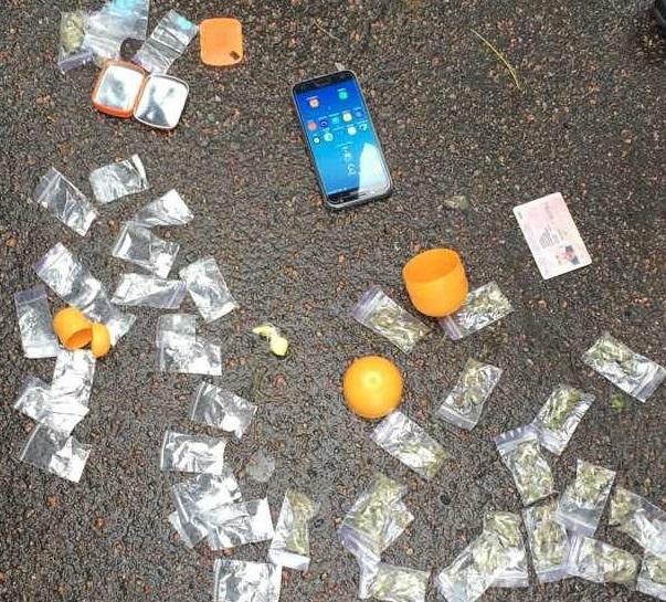 "В столице в конфетах ""киндер-сюрприз"" нашли наркотики"