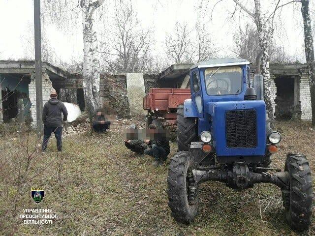 На Киевщине неизвестные мужчины пытались лишить жилья одиноких пенсионеров