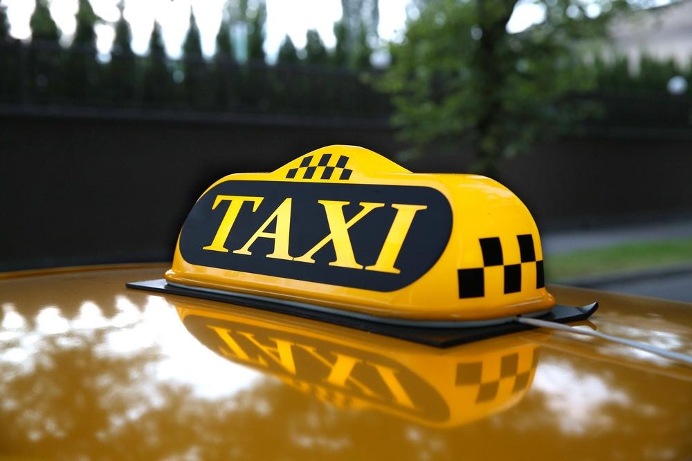Пассажир-наркоман избил водителя такси
