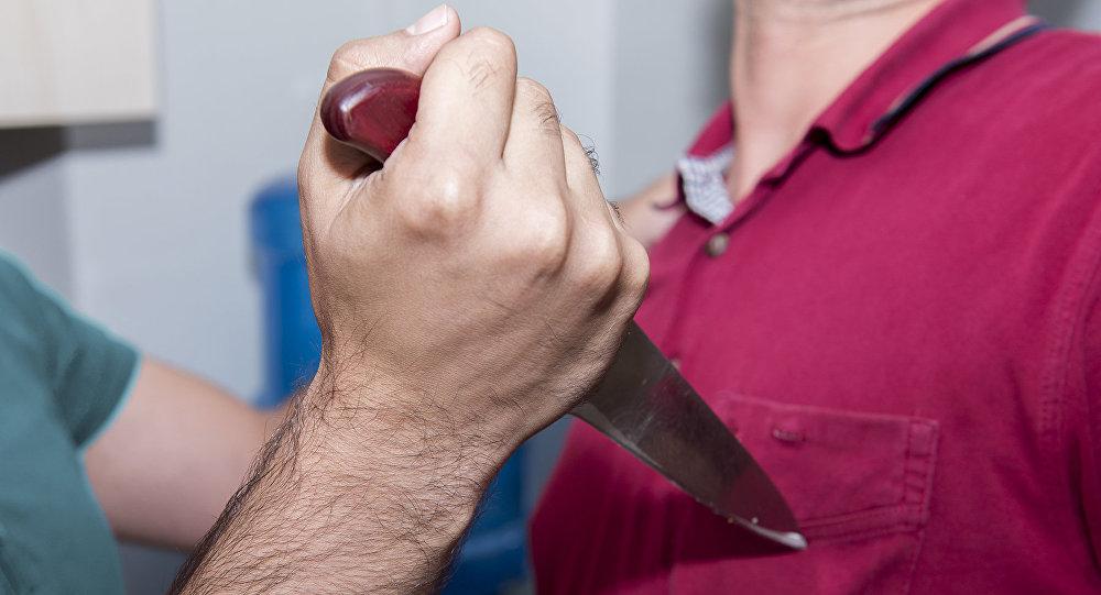 Киевский школьник пырнул ножом родную мать