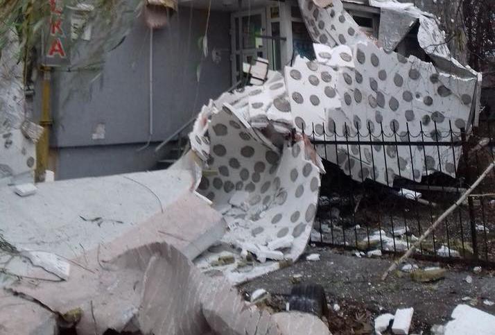 Фасад пострадавшего дома в Киеве заново утеплят весной 2018 года