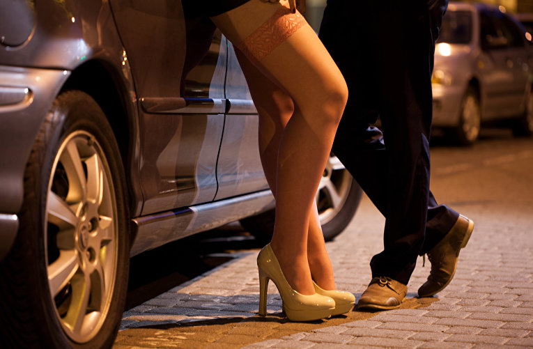 """В Киеве будут судить """"создателей"""" проституток"""