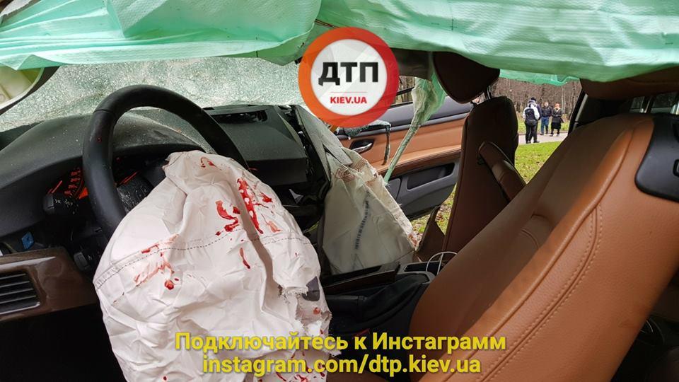 Возле КПИ произошло серьезное ДТП с потерпевшими