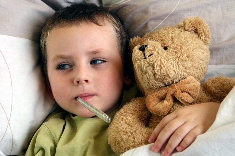 Киевские медики просят не выпускать больных детей из дома