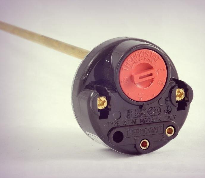 Что собой представляет термостат для бойлера?
