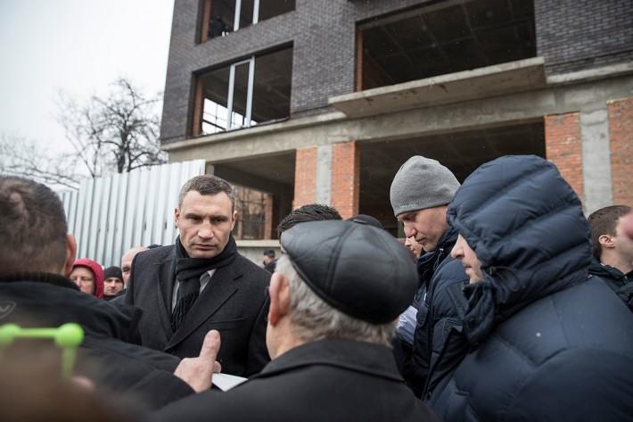 Мэр Киева остановил скандальное строительство на Печерске