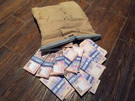 В Киеве задержали долларового мошенника