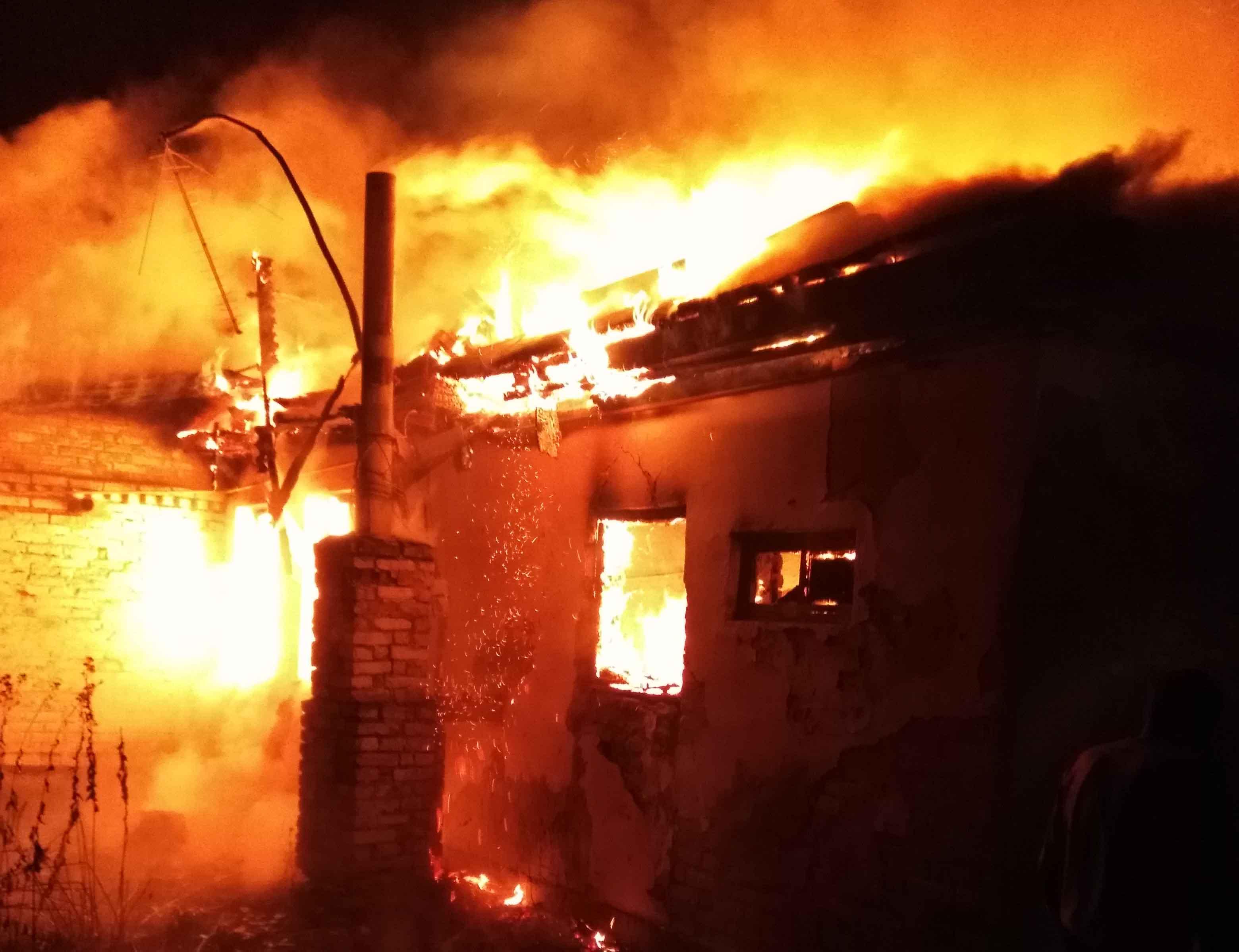 От девочки, погибшей под Киевом, остался только пепел - подробности трагедии