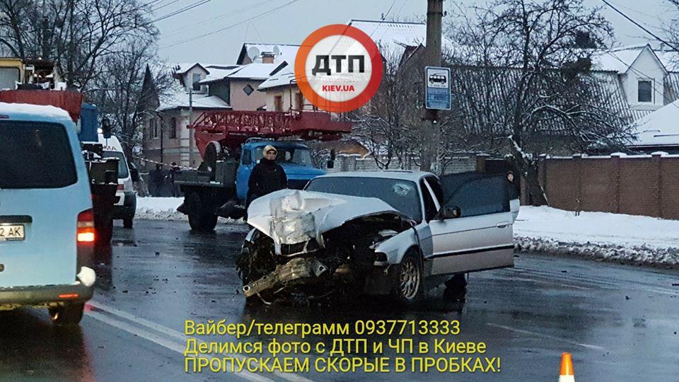 """""""Дрифт по-киевски"""": четверо подростков едва не погибли возле ВУЗа"""